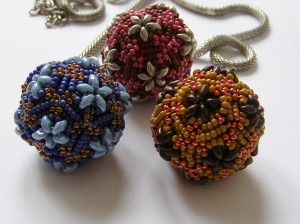 beaded beads Pentagon