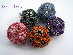 Beaded bead Roi de Rulla