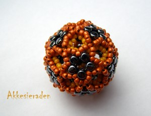 rulla beaded bead
