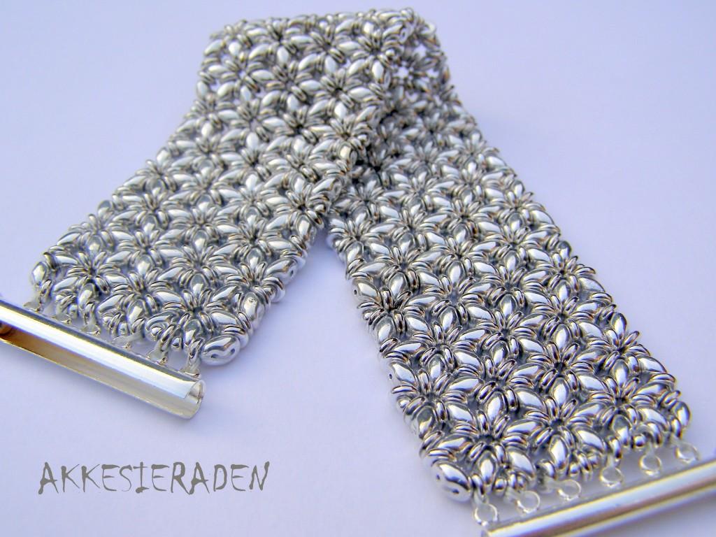O-Mosaic bracelet
