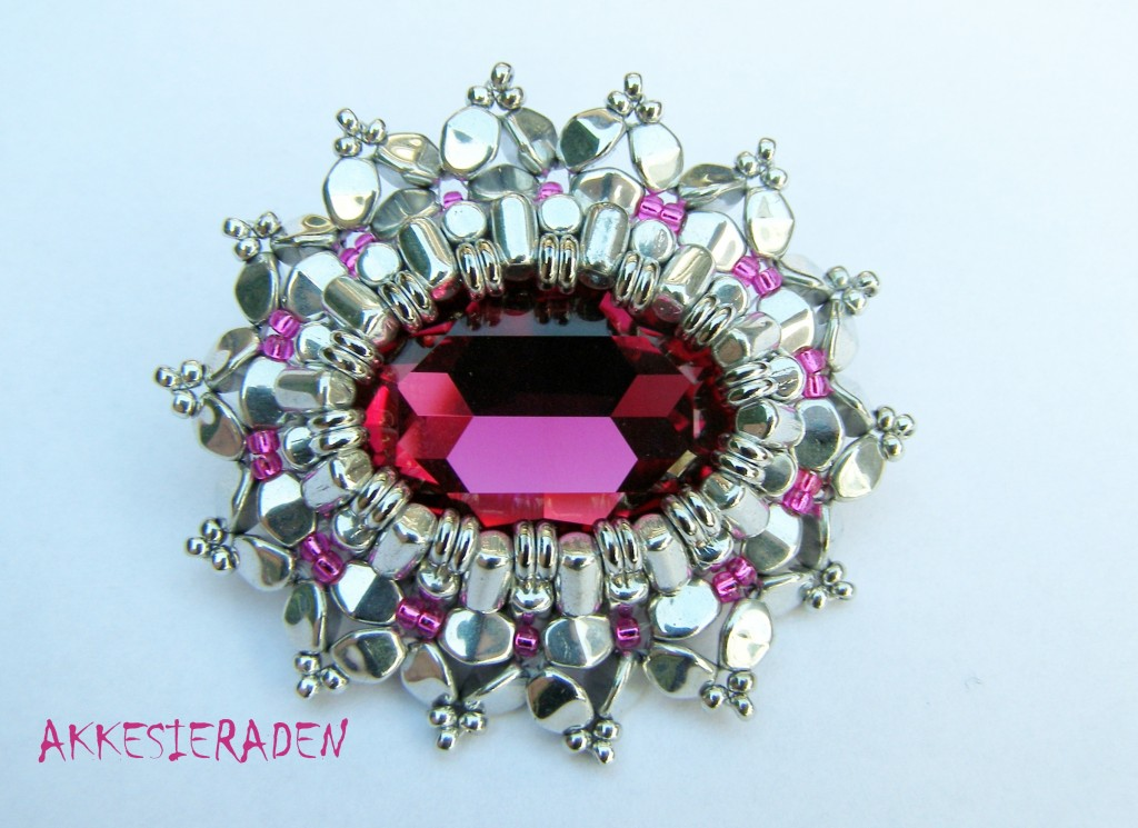 Rulla Royal Brooch