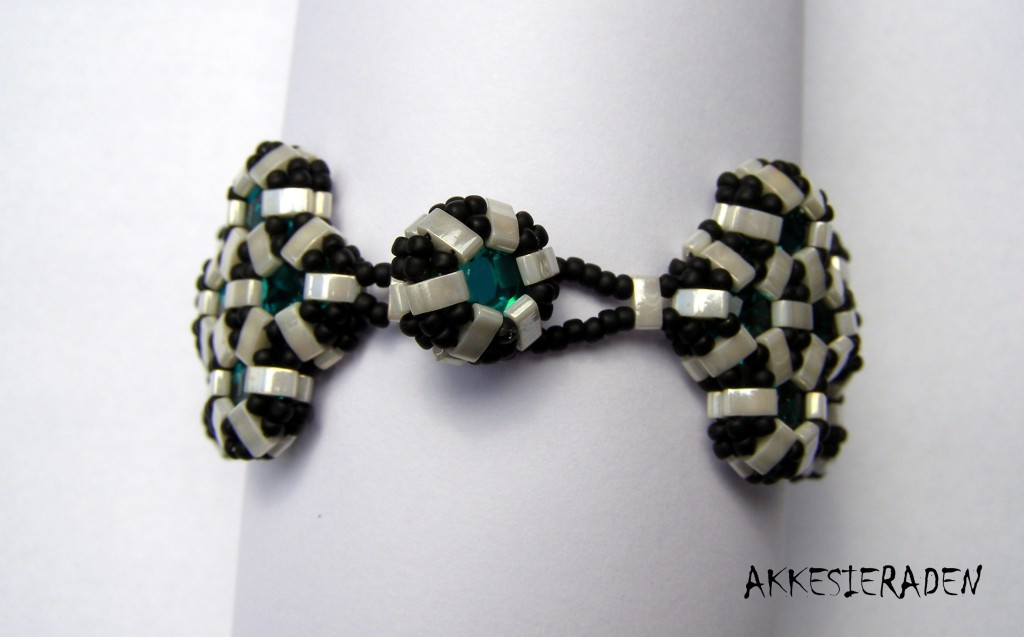 shiny shaped mosaic bracelet