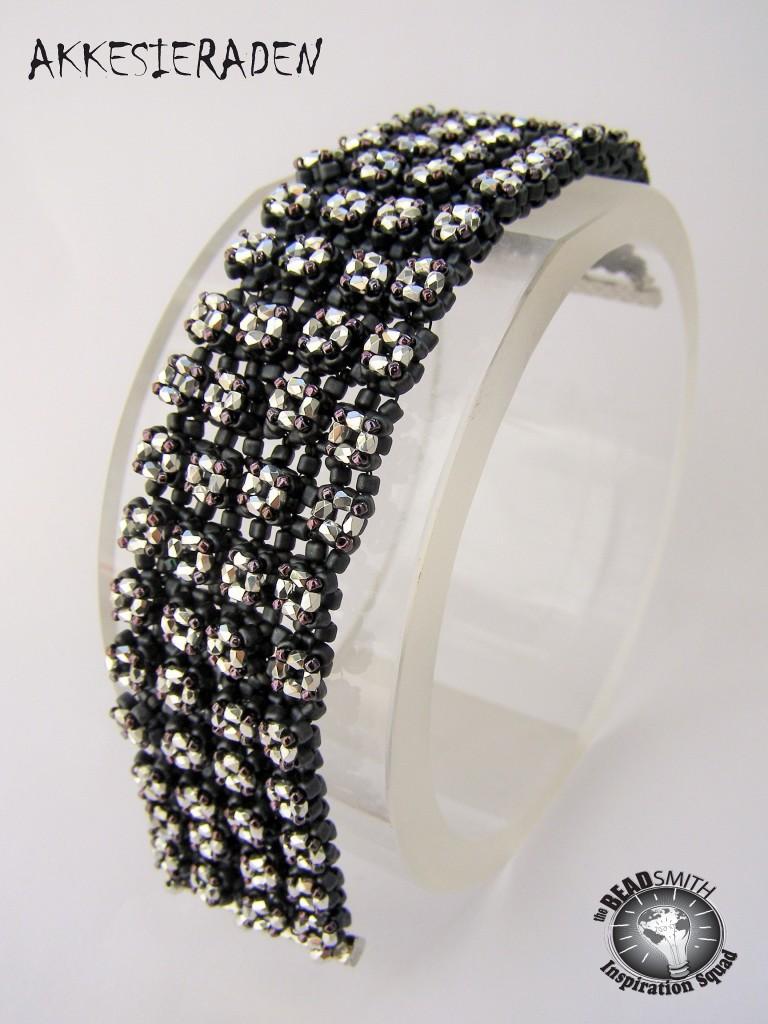 1000 stars bracelet by Akke Jonkhof