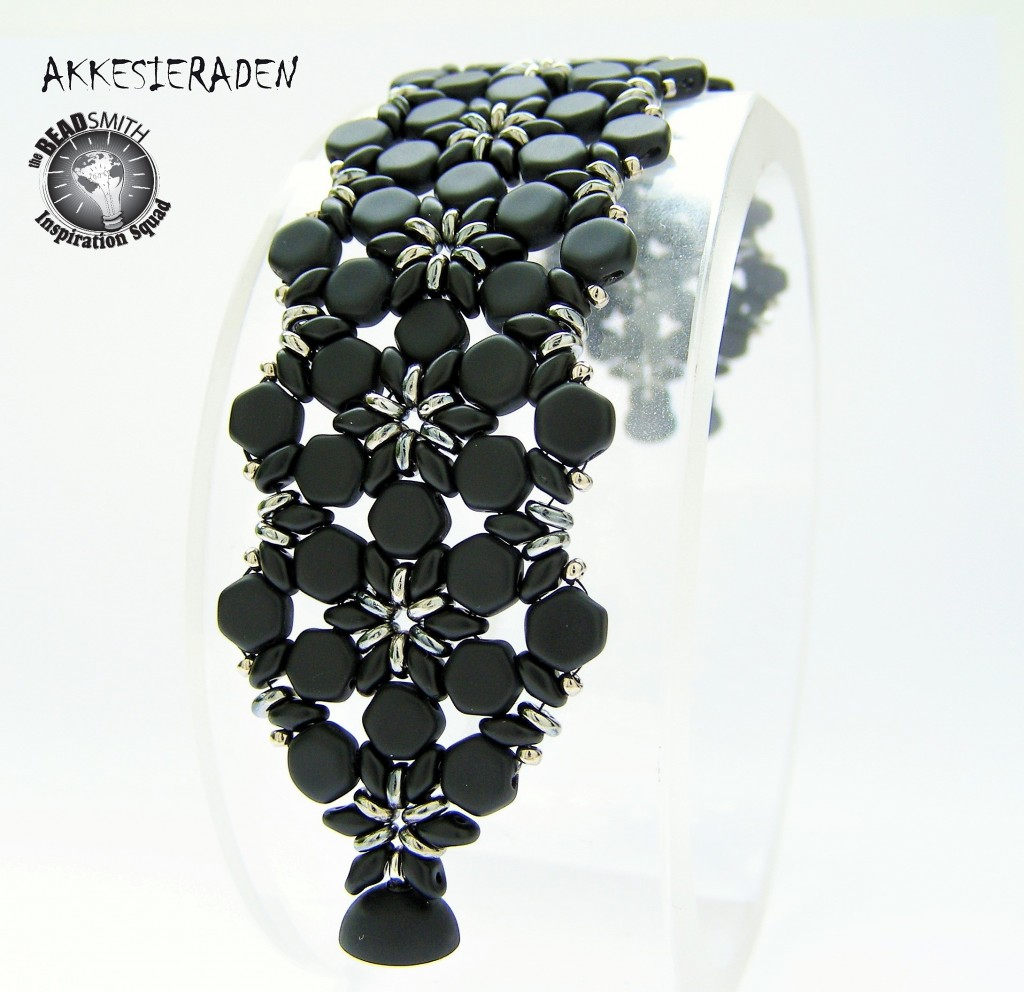 Honeycomb bracelet by Akke Jonkhof