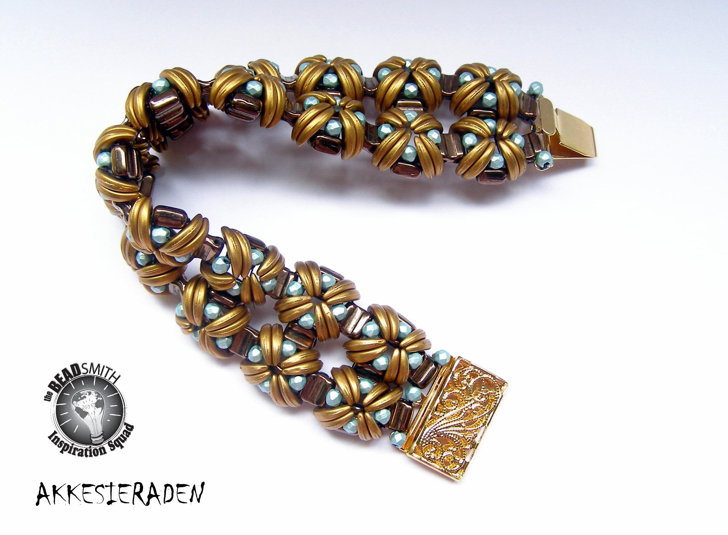 en]Akkesieraden[:nl]Akkesieraden   [:en]Jewelery design with small ...